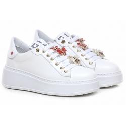 GIO + sneakers apine